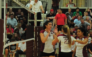 Women's Volleyball Opens With a Pair of Wins