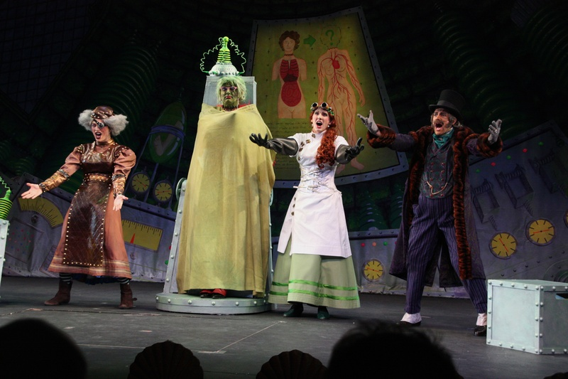 Hasty Pudding Theatricals Protest