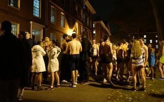 Slippery and Streaking, Primal Scream Runners Storm Yard